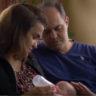 31/10/2017 – Das brasilianische Paar erhielt den Pass für ihr Baby
