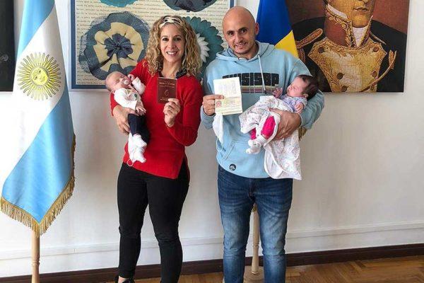 Das Ehepaar aus Santa Rosa kam zur Abholung seiner Kinder und blieb in der Ukraine stecken