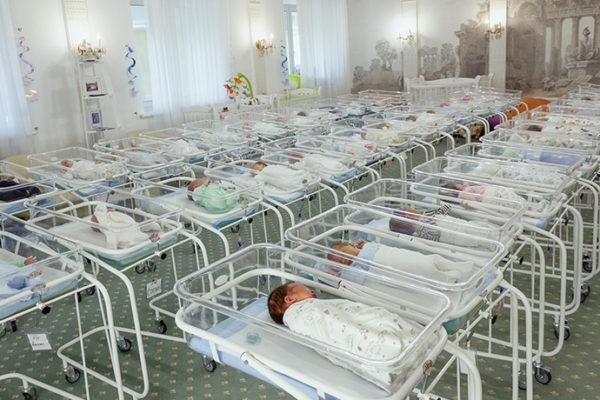Der Spiegel über unsere 53 Neugeborene ohne Eltern «Im Haus der gestrandeten Babys»