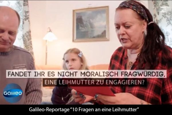 """Galileo-Reportage: """"FRAGWÜRDIG ODER NOTWENDIG? 10 FRAGEN AN EINE LEIHMUTTER UND ELTERN DANK EINER LEIHMUTTER"""""""